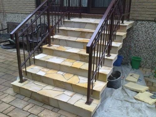 Polygonalplatten als Stufenplatten
