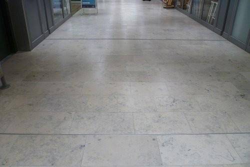 Jura Kalkstein, grau, tellergestrahlt und gebürstet, Bahnen