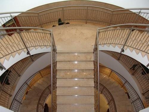 Jura Kalkstein gelb, feingeschliffen, Treppenanlage