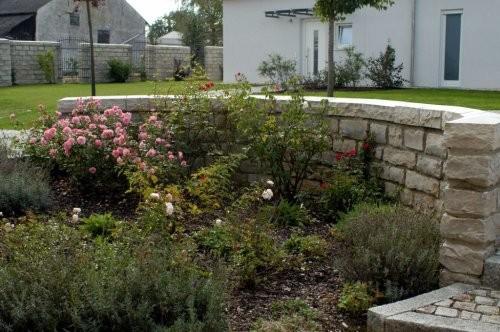 SONAT 212, Jura Mauersteine, beige, gespalten, Gartenanlage