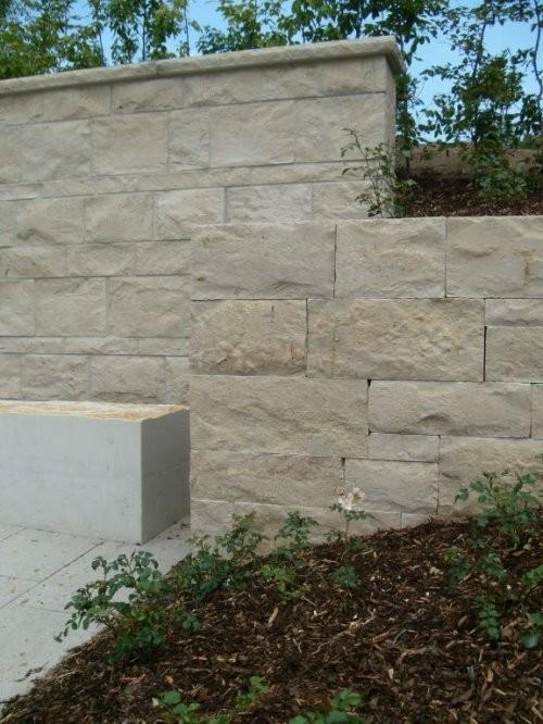 SONAT S213, Jura Mauersteine beige, gesägt und gespalten