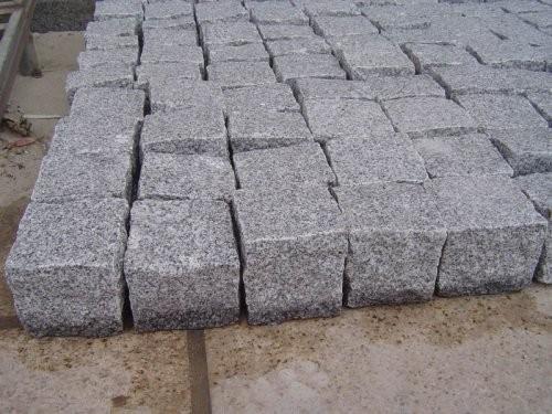 Granit weiß-grau, Pflastersteine