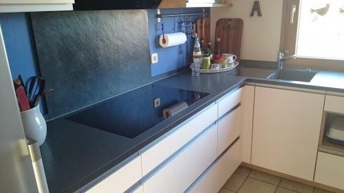 schwarzer Schiefer als Küchenabdeckplatte