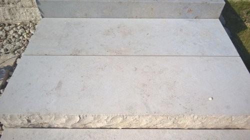 SONAT 215, Jura Kalkstein, beige, als Massivstufen, teilweise gesägt