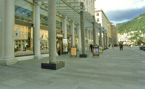 Alta Quarzit, Fußgängerzone Boden, spaltrau