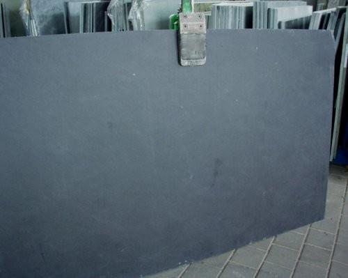 Rohplatte aus schwarzem Schiefer
