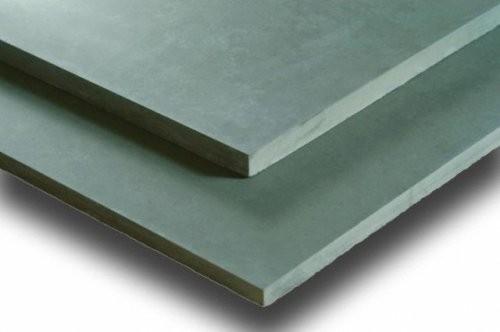 Nahaufnahme der feingeschliffenen Oberfläche und Kanten des Formats in 10 mm Stärke