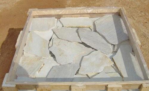 Polygonalplatten weißlich gräulich