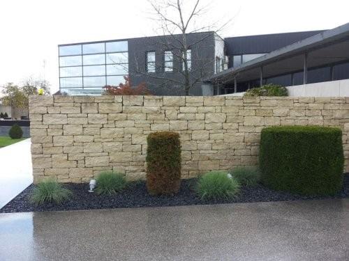 SONAT T213, Jura Mauersteine, beige, gesägt + gespalten + getrommelt, Sichtschutz