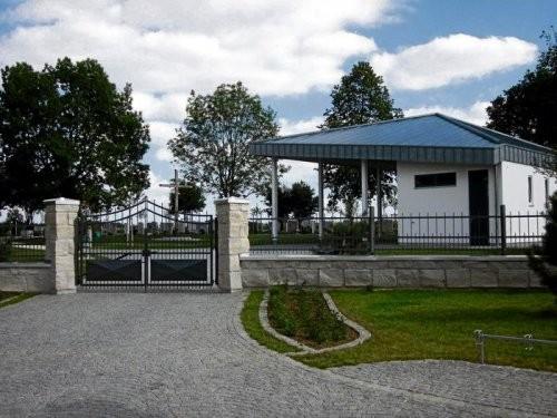 SONAT 215, Jura Kalkstein beige, große Quadersteine als Mauersteine, gespalten, Friedhof
