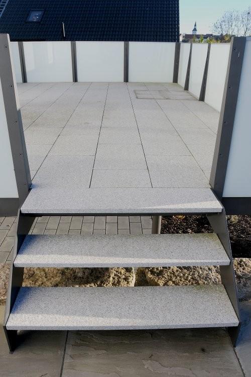 Granit weiß-grau, Terrasse, Stufen