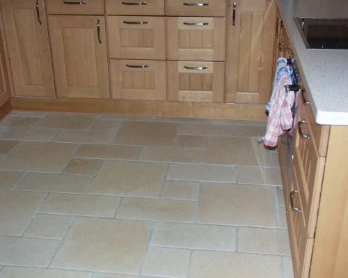 Küchenboden creme