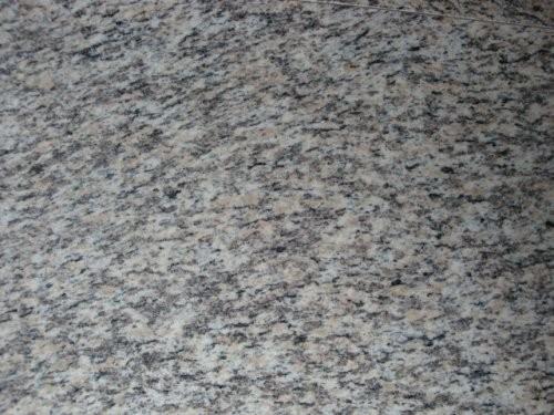 SONAT 270 Granit weiß-grau-rosé, Nahaufnahme