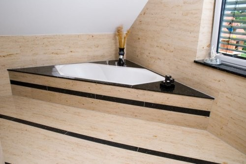 Jura Kalkstein, gelb-gebändert, feingeschliffen, Badezimmer