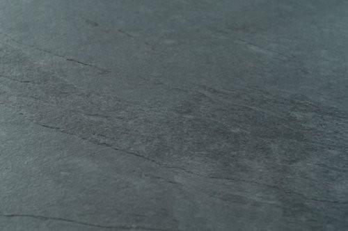Nahaufnahme von schwarzen Schiefer - Sonat 521 - Oberfläche spaltrau
