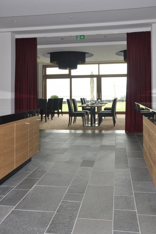 Boden Küche aus Alta Quarzit