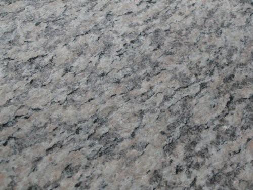 SONAT 270 Granit weiß-grau-rosé, Farbe und Oberfläche